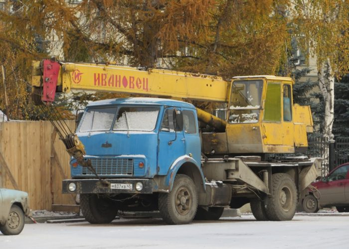 Автокран КС-3577 на базе МАЗ-5334