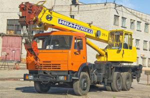 Автокран Ивановец КС-54711 на шасси БАЗ-8029
