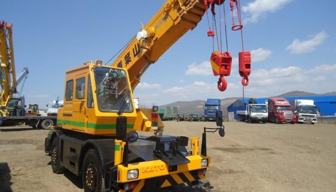 Автокран KATO 10 тонн