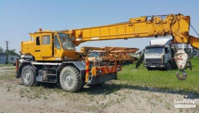 Автокран КАТО 20 тонн