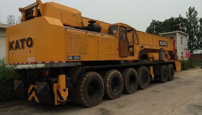 Автокран KATO NK-1200E