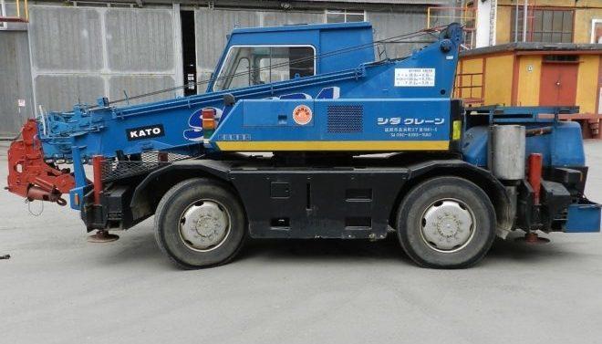 Автокран Kato MR-100