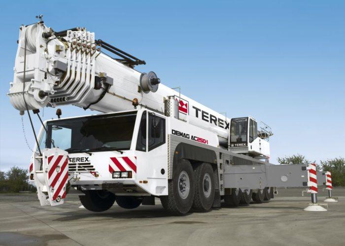 Автомобильный кран Terex-Demag
