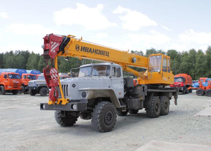 Ивановец КС-45717-1 на шасси Урал 4320